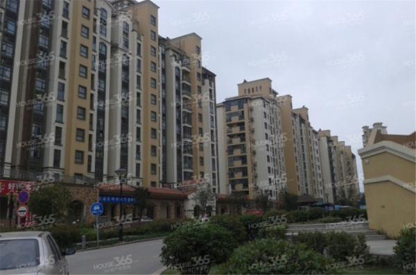 中海万锦熙岸11栋207室3室2厅1卫94㎡整租精装,