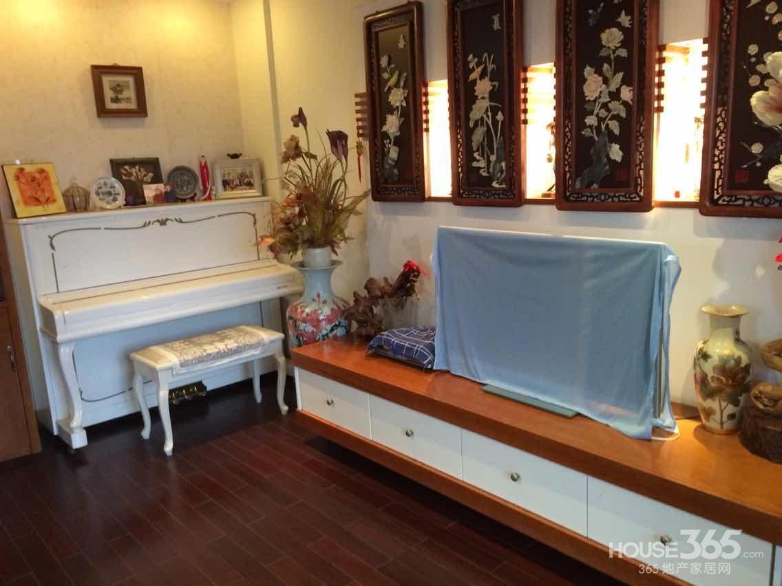 【百家湖豪华装修四室两厅全实木家具送yamaha钢琴房