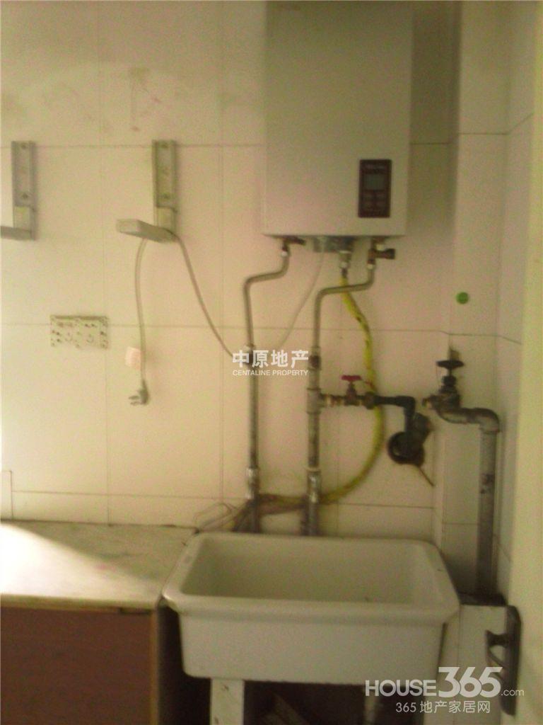 学校厕所简装装修图