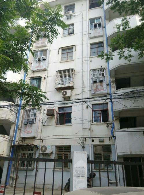 五塘新村1室1厅1卫44平方产权房简装