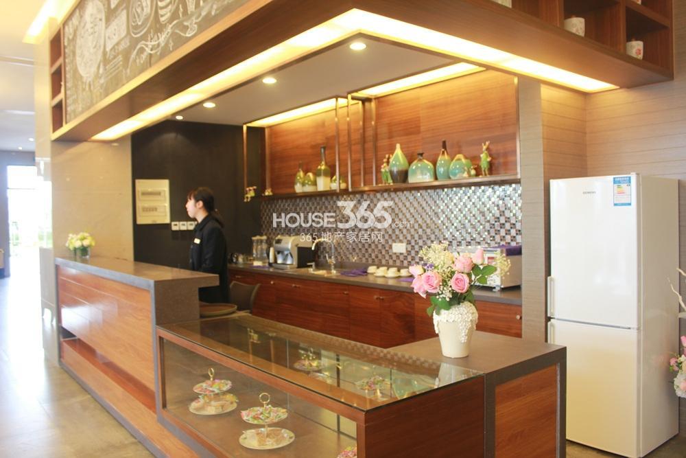 环秀湖花园售楼处实景2015.4.20