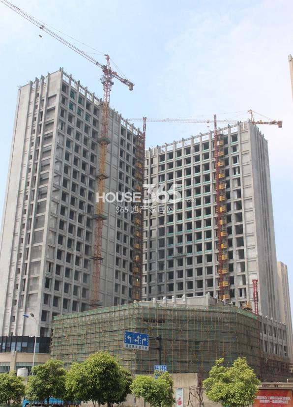 2015年5月初玲珑府项目商业实景