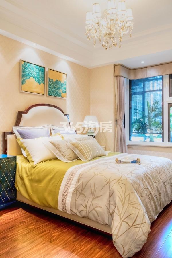 长泰国际社区120平样板间卧室