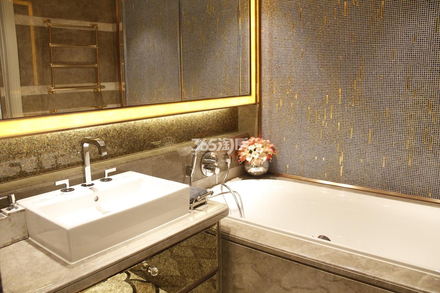 滨江保利翡翠海岸B2户型(139㎡)样板房---卫浴间