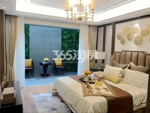 阳光100阿尔勒·星空洋房287平A1跃层样板间卧室